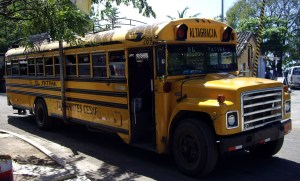autobus na Ometepe